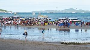 Chinese-storm-Thailand-beach