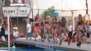 Sexy-Thai-bikini-babes-Pattaya