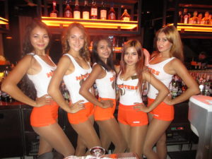 Beautiful-Hooters-babes-Patytaya