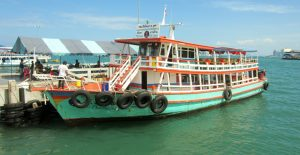Many-wonderful-boats-Pattaya-Bay-Thailand