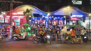 beer-bars-babes-Pattaya-Thailand-sexy-bikini