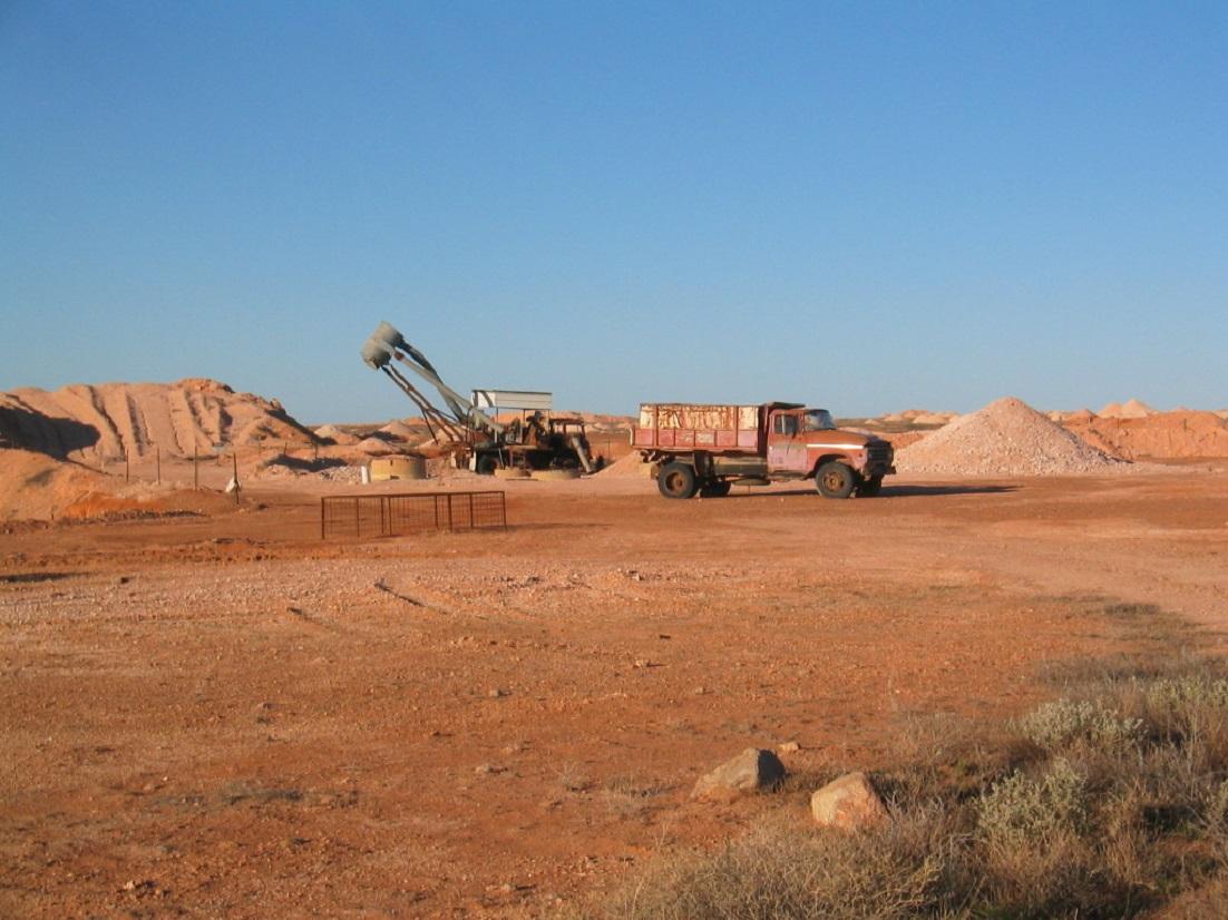 Blue-Sky-Red-Earth-Coober-Pedy-Opal-Mine