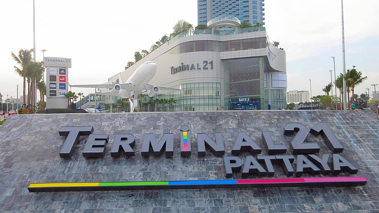 Building-Terminal-21-Pattaya