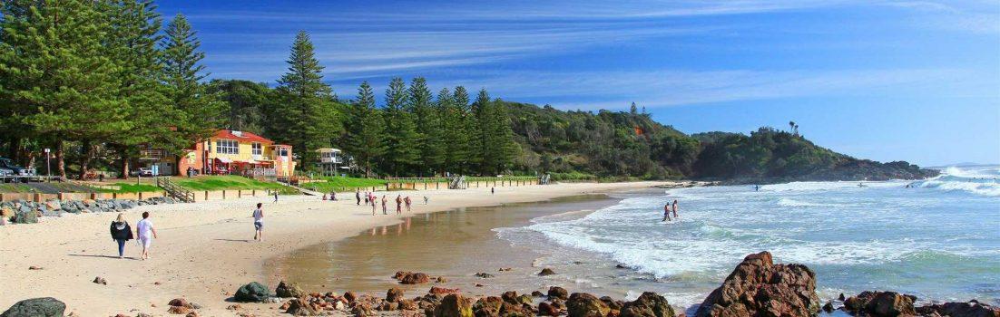 Flynns-Beach-Port-Macquarie-NSW-Australia,surf-ocean-rocks