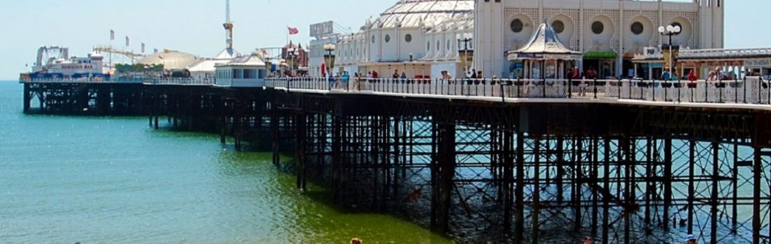 Brighton-England-beach-resort,babes,ocean-holiday