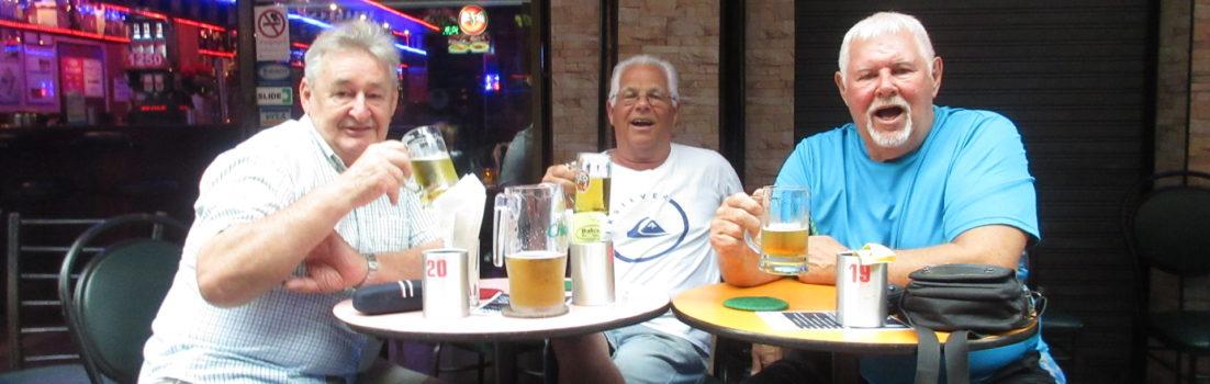 Three-Aussies-Bangkok-Feeding-Frenzy