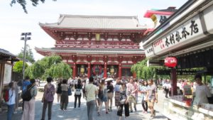 Temple-Asakusa-Tokyo-Buddhist-Geisha