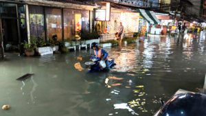 Pattaya-storm-floods-road