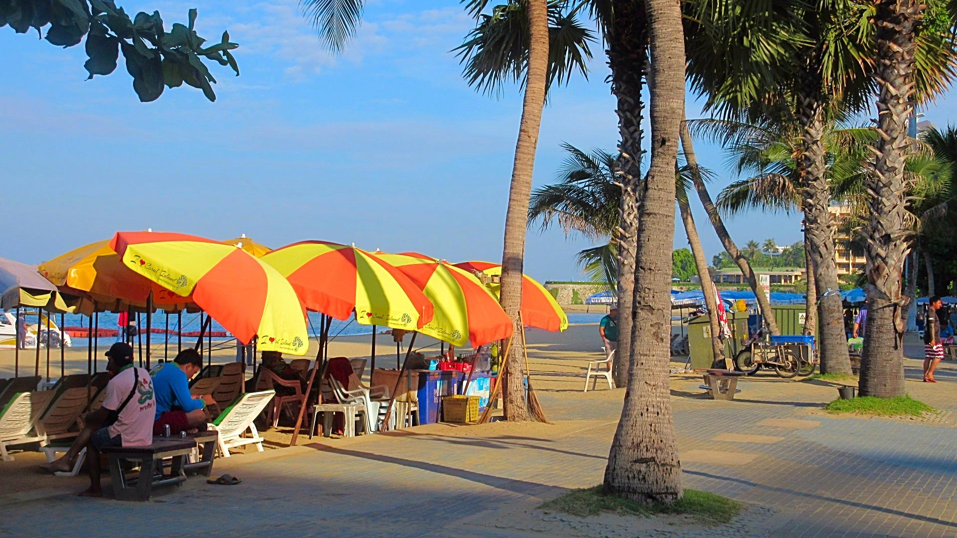 Morning-walk-Beach-Road-Pattaya