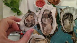 Hamish-Elton-oysters-Pattaya